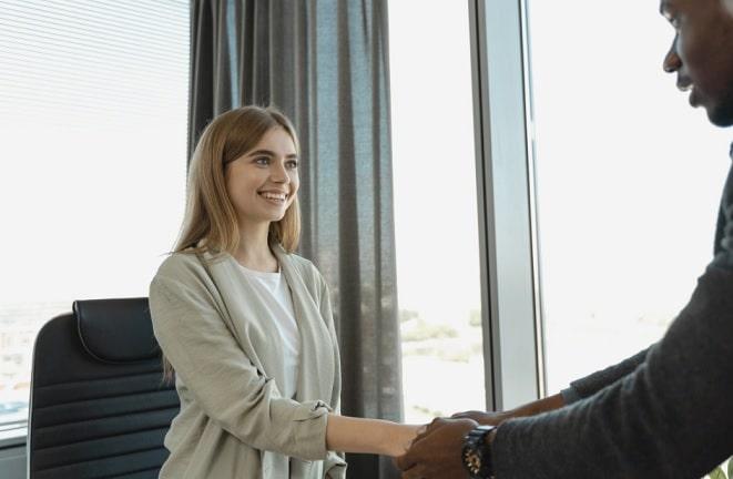 hoe kom je zelfverzekerd over bij sollicitatiegesprek